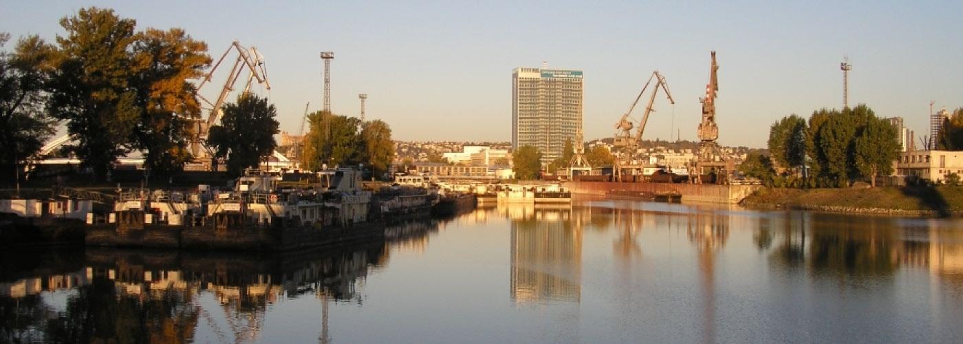 Prístav, sídlo spoločnosti